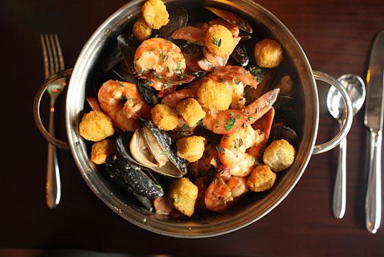 mussel-pot