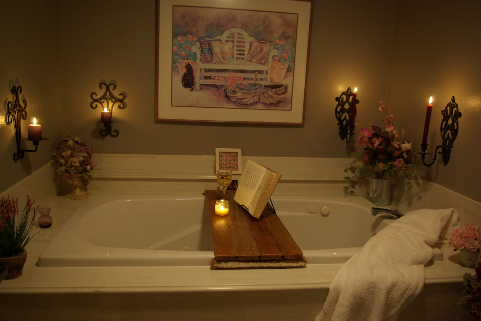 Simple Diy Bathtub Reading Tray Made From Teak Wood With Book
