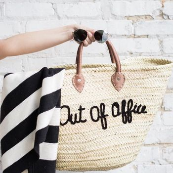 normal_out-of-office-straw-bag