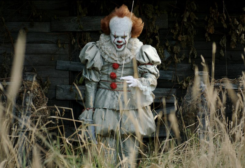 IT 2017 Pictured: BILL SKARSG≈RD as Pennywise